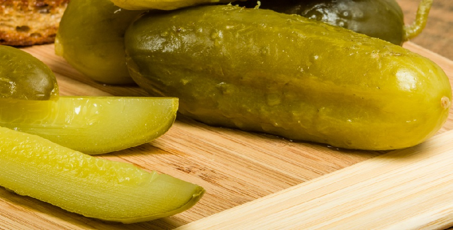 should dogs have pickles